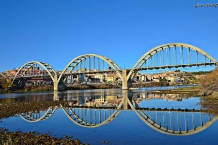 Pont de les Arcades de Mora d'Ebre